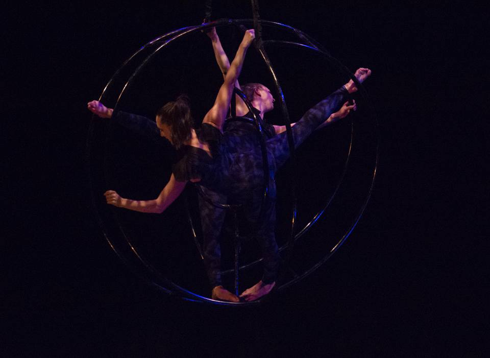 Aerial Dance choreographed bye EJ Reinagel, Photo by Alayna Riley